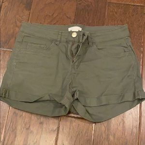 H&M olive green jean shorts